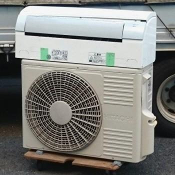 東京都目黒区で2015年製の日立のルームエアコン【中古品】を買取しました。