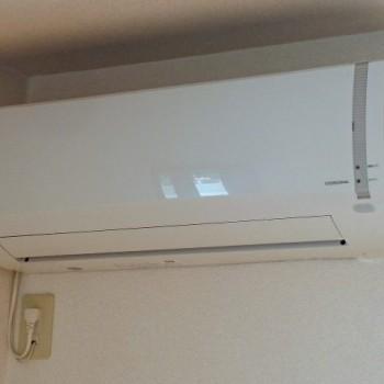 東京都世田谷区で2017年製のCORONA(コロナ)のルームエアコン【中古品】を買取しました。