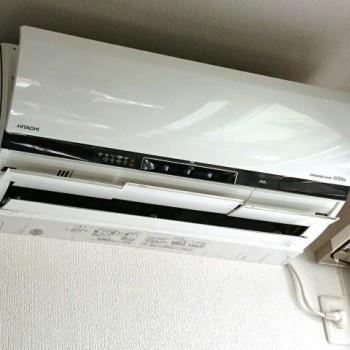 東京都文京区で2015年製の日立のルームエアコン【中古品】を2台買取しました。